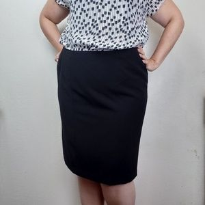 Worthington Black Knee Length Pencil Skirt